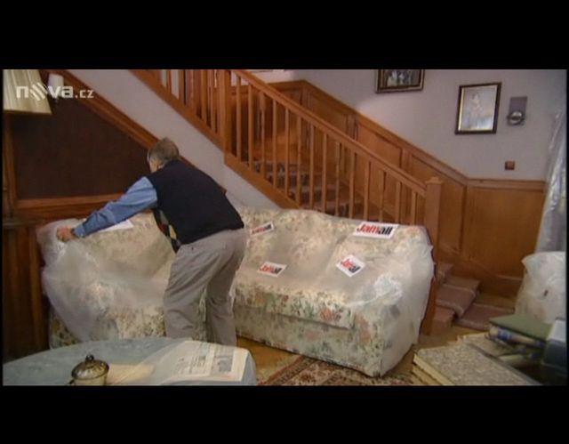 Valšík kontroluje nábytek Jamall
